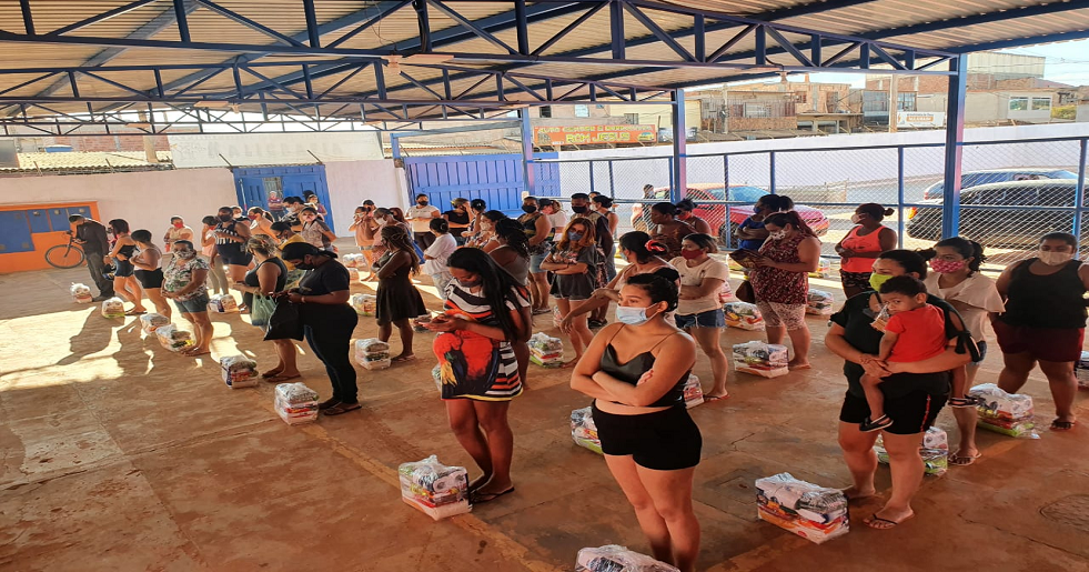 """Mais 70 cestas foram entregues através da campanha """"O amor não se aquece sozinho"""""""